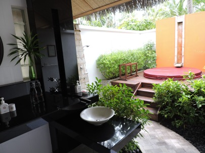 Outdoor shower - no problem.  Outdoor toilet?  Um, takes some getting used to.